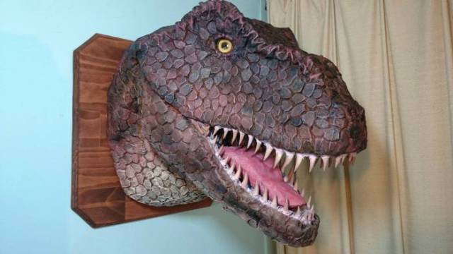 An Awesome Home Built T-Rex Head