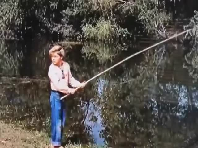 John Wayne Helps Kid Learn To Swim Like A Badass