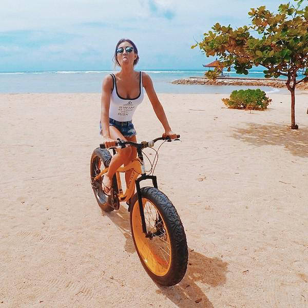 These Bike Riding Girls Will Put A Smile On Your Face 53 -4772