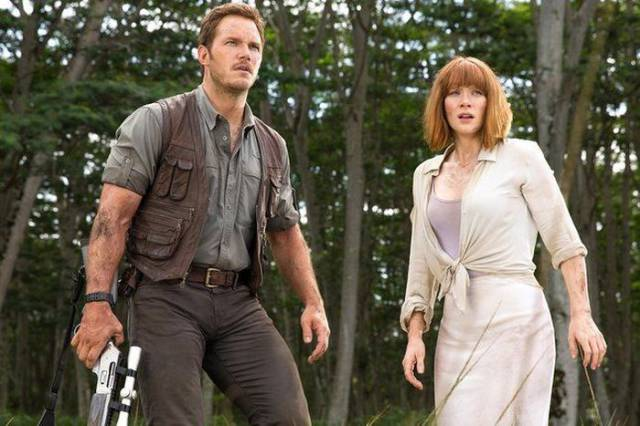 "Chris Pratt and Bryce Dallas Howard's Pre ""Jurassic Park"" Bodies Will Shock You"
