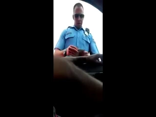 Corrupt Cop Caught Bribing a Driver on Camera
