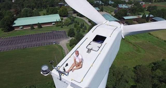 Drone Spots an Odd Sighting on Its Flight Past a Wind Turbine