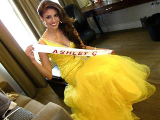 Canadian Beauty Ashley Burnham Wins the Title of Mrs Universe 2015