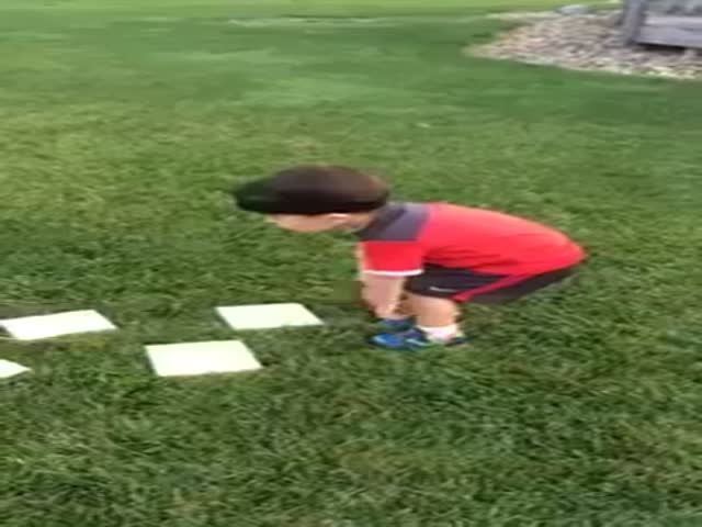 "Cute Kid Tackles a ""Ninja Warrior"" Obstacle Course Like a Beast"