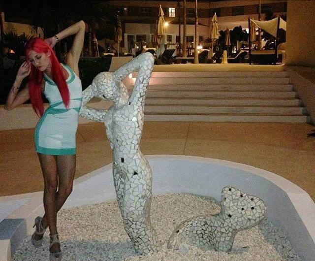 Barbie Blank Parties Like a Rock Star in Las Vegas