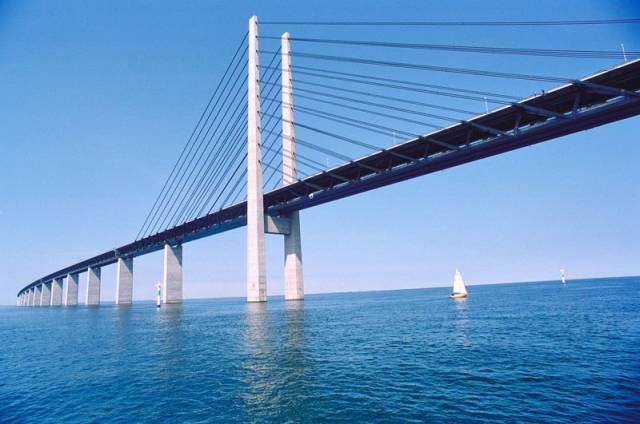 An Impressive Bridge and Tunnel Combination That Is an Engineering Masterpiece