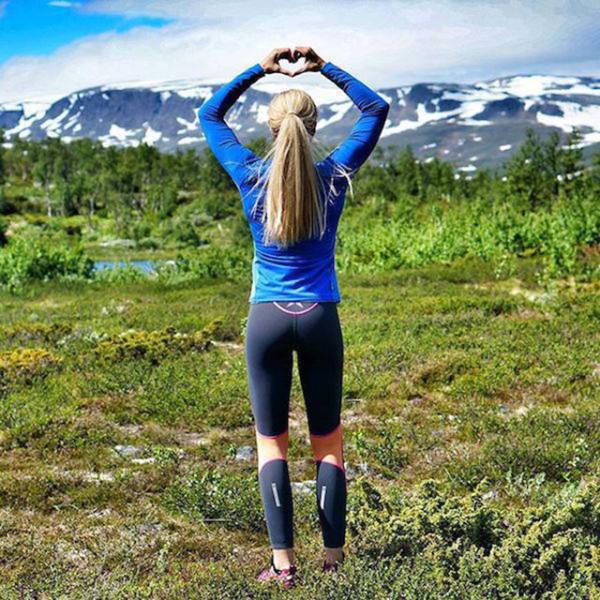 Girls Look Yummier In Yoga Pants (62 Pics)