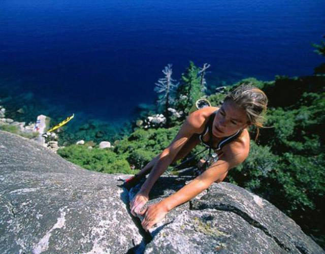 female extreme climber and - photo #4