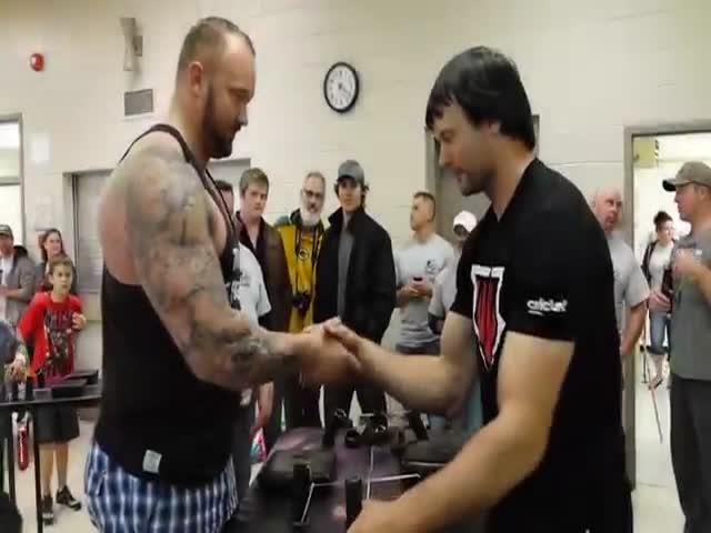 World Arm Wresting Champ Devon Larratt Takes on the Mountain from Game of Thrones