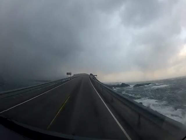 This Norwegian Highway Is Terrifying in Wet Weather