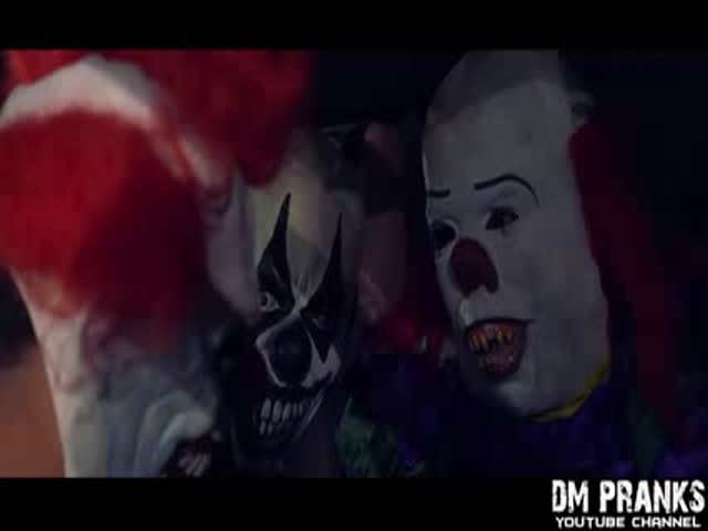 Killer Clowns Totally Terrorize the City of Las Vegas