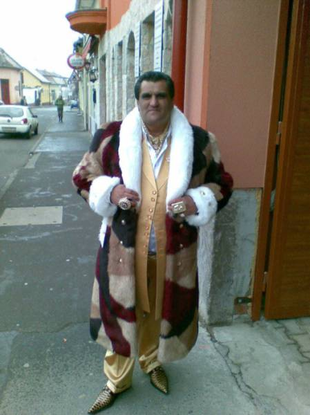 Real Roma People Live Lives Filled with Glitz, Glamor and Luxury