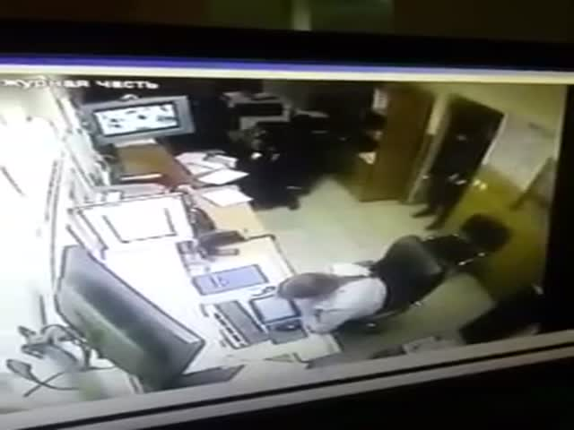 A Criminal's Amusing Escape from a Russian Police Station