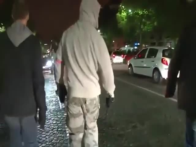Looters Get a Surprise from Some Very Vigilant French Neighborhood Watchers