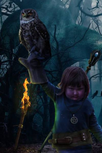 This Miserable Girl Holding an Owl Is Taking the Internet by Storm