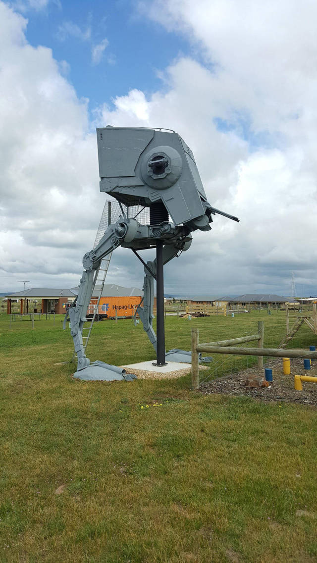 Star Wars Fan Builds His Very Own Life-Sized Imperial AT-ST Walker at Home