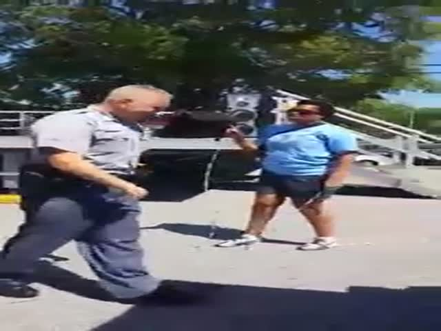 Cool Cop Joins in On a Little Game of Double Dutch