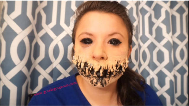 This Freaky Halloween Makeup Will Give You Nightmares for Days