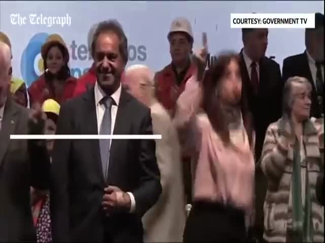 Argentinian president's Dancing Goes Viral
