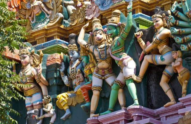 These Multi-colored Temples in India Are a Magical Sight to Behold