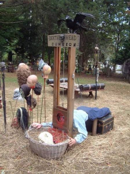 Halloween Decorating That Is Beyond Terrifying