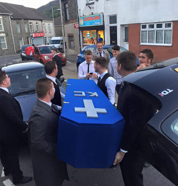 Dude Attends His Own Funeral Hosted by His Funny Friends