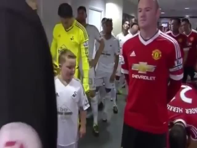 Kids Meet Their Football Heroes for the First Time and Their Reactions are Priceless