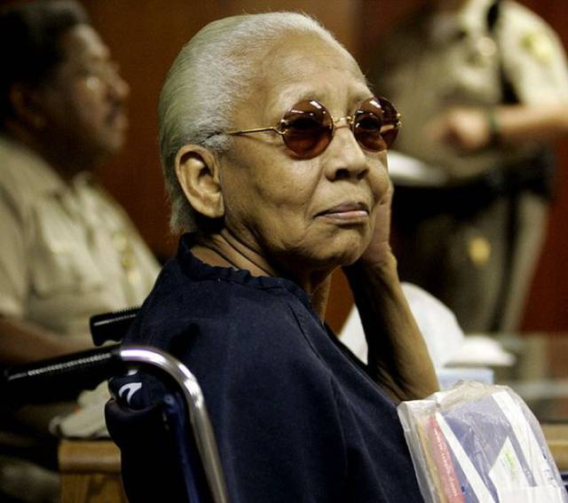 This Forgetful Old Lady Is Actually an International Jewel Thief