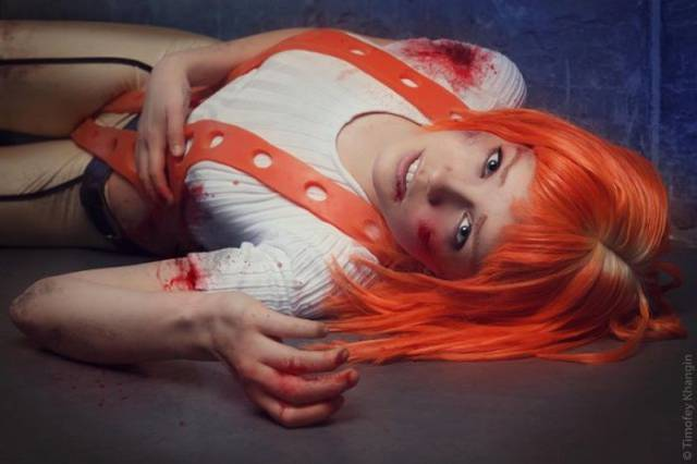 "A Perfect ""Leeloo"" Cosplay Outfit That Hits All the Right Notes"
