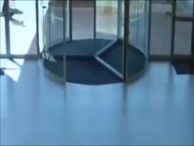 Suspected Shoplifter Runs Face First into a Glass Revolving Door