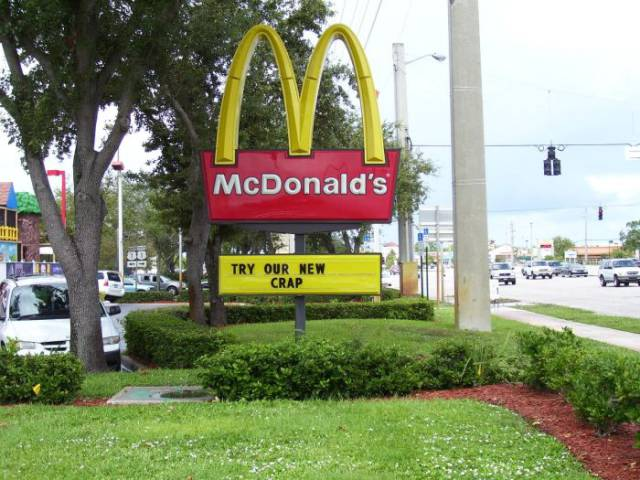 Funny Fast Food Signs That Are Brutally Honest