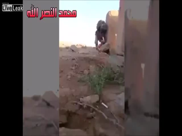 Iraqi Soldier Is Pinned by an ISIS Sniper but What Happens Next Will Surprise You
