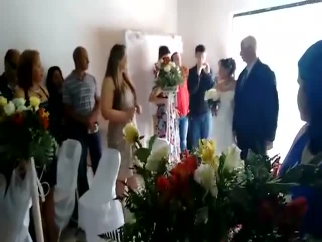 This Wedding March Is a Total Fail
