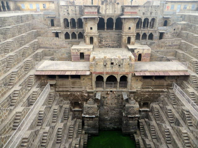 Subterranean Indian Architecture Is a Thing of Beauty