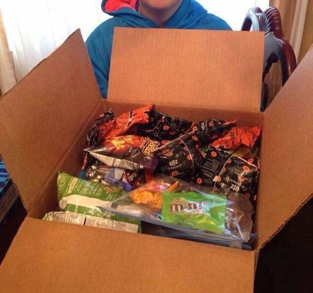 Cute 10 Year Old Kid Gifts His Halloween Candy to the Troops along with This Feisty Letter