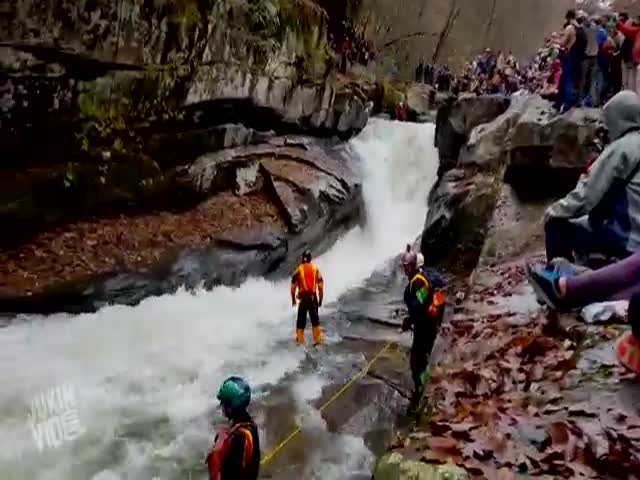 Lucky Kayaker Gets Saved in the Nick of Time
