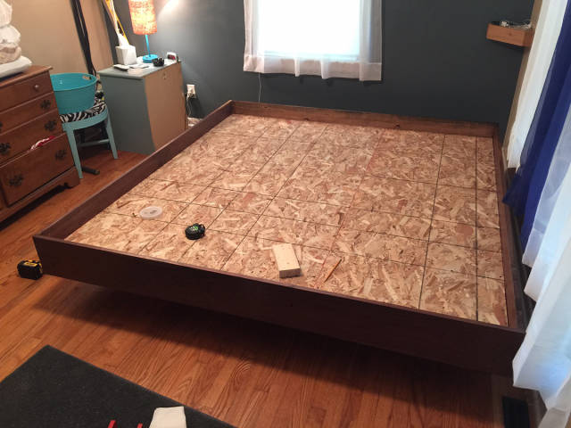 An Awesome Homebuilt Floating Bed That Anyone Would be Happy to Own
