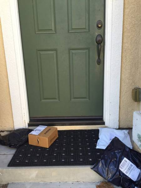 Delivery Guys Who No Longer Give a Sh#t about Their Jobs