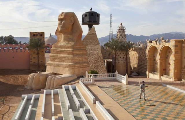 This Abandoned Egyptian Town Is a Gem in the Middle of the Desert