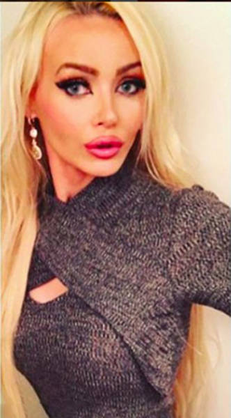 "This Girl Has the Ultimate ""Dumb Blonde Barbie"" Look but She Is Actually More Brains Than Boobs"