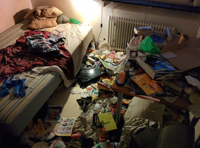 This Guy Performs the Most Epic Clean Up Ever When a Girl Asks to Come Over