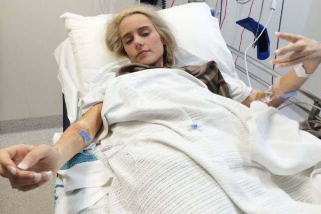 Teenage Girl Nearly Dies in an Attempt to Be Popular