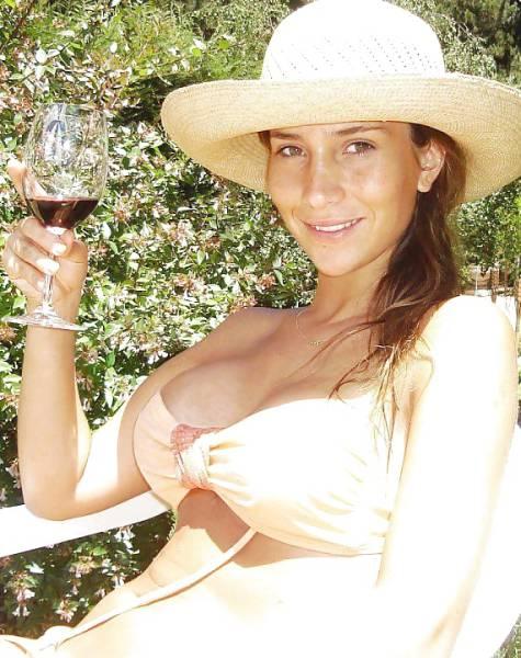 Big Tits and Good Wine