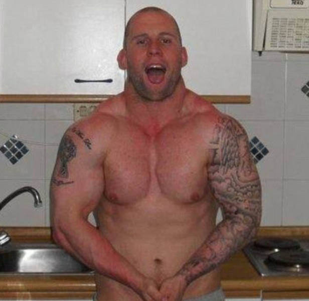 Scrawny Dude Transforms into a Massive Muscle Man in Only 16 Weeks