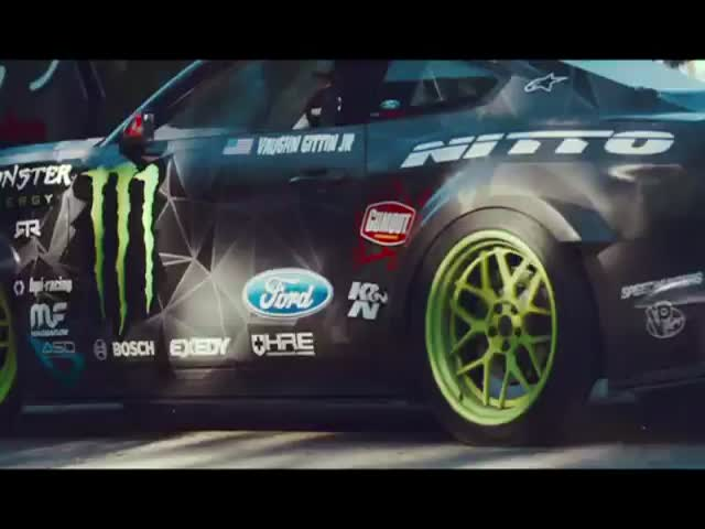 An Awesome Battledrift Competition between Vaughn and Diego