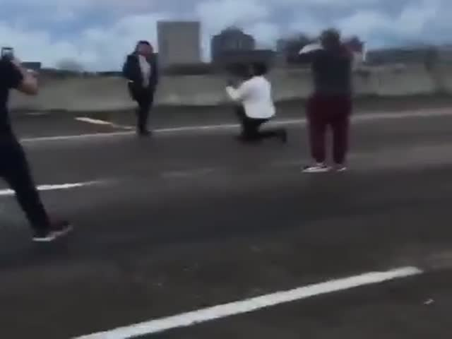 Idiot Stops Traffic on a Major Highway to Propose to His Girlfriend