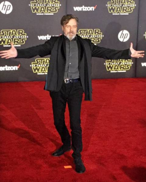 "Mark Hamill Is a Shadow of His Former Self at the ""Star Wars: The Force Awakens"" Premiere"