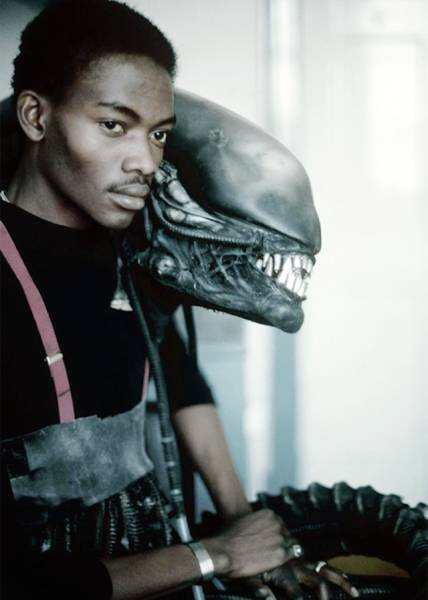 Candid Backstage Snaps from the Set of Alien