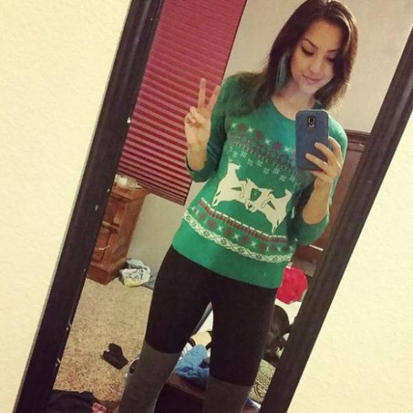 Christmas Sweaters Look Better on Girls as Hot as This (24 pics) - Picture #12