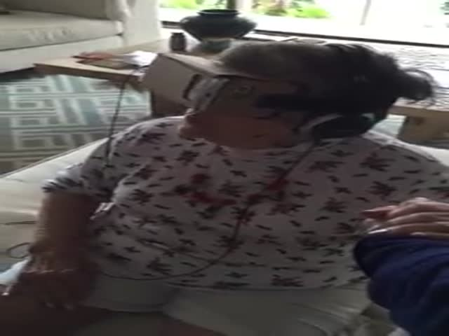 This Grandma's Shocked Reaction to a Virtual Reality Demonstration Is Priceless